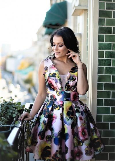 Короткое цветное платье