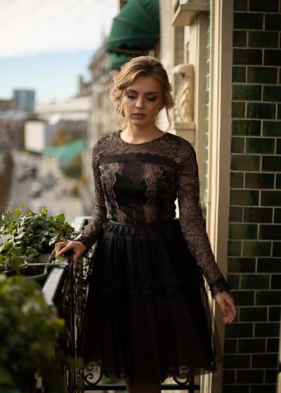 Коктейльное черное кружевное платье