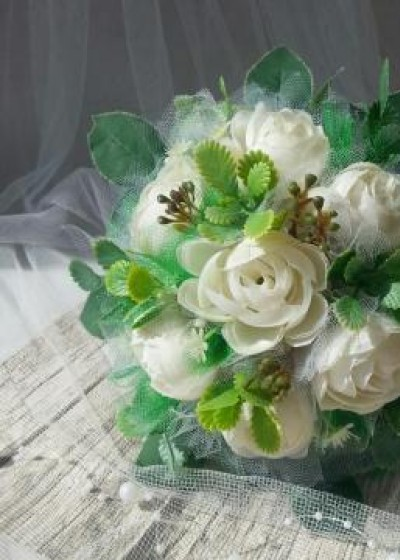 Букет свадебный белые розы